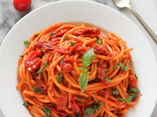 spaghetti-al-pomodoro-pomilia