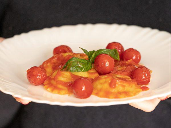 ravioli capresi con Pomodorini mediterranei pomilia